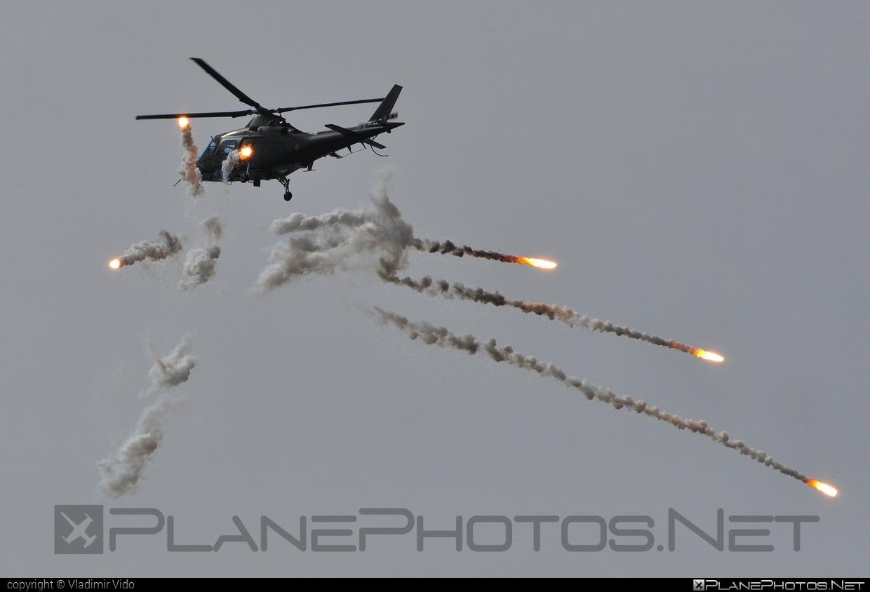 Agusta A109BA - H27 operated by Belgium - Army #a109 #a109ba #agusta #agusta109 #agustaa109 #agustaa109ba
