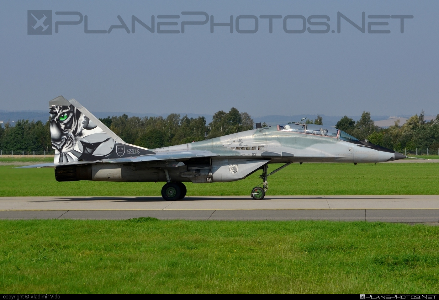 Mikoyan-Gurevich MiG-29UBS - 5304 operated by Vzdušné sily OS SR (Slovak Air Force) #mig #mig29 #mig29ubs #mikoyangurevich #natodays #natodays2014 #slovakairforce #vzdusnesilyossr