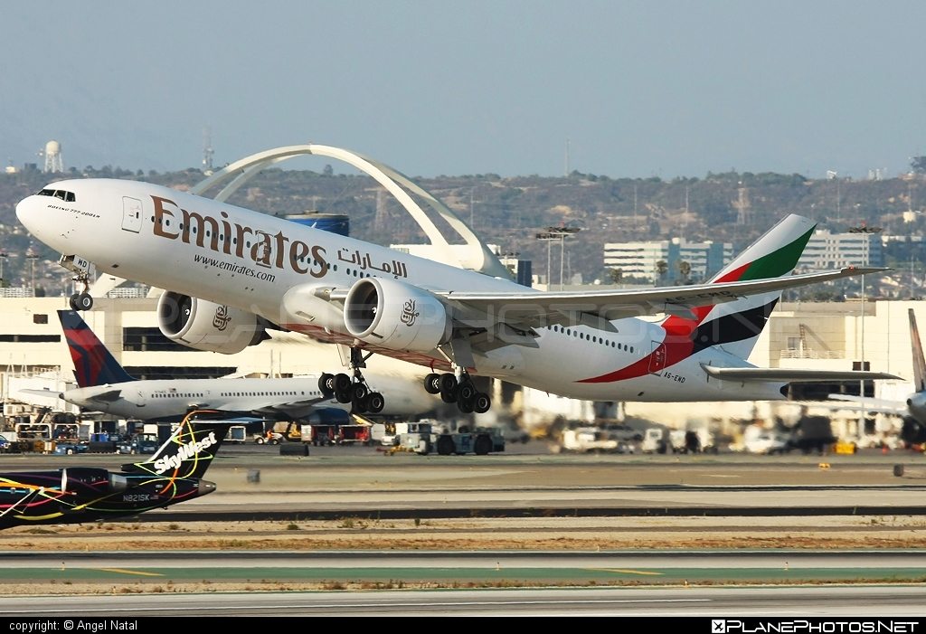 Boeing 777-200LR - A6-EWD operated by Emirates #b777 #b777lr #boeing #boeing777 #emirates #tripleseven