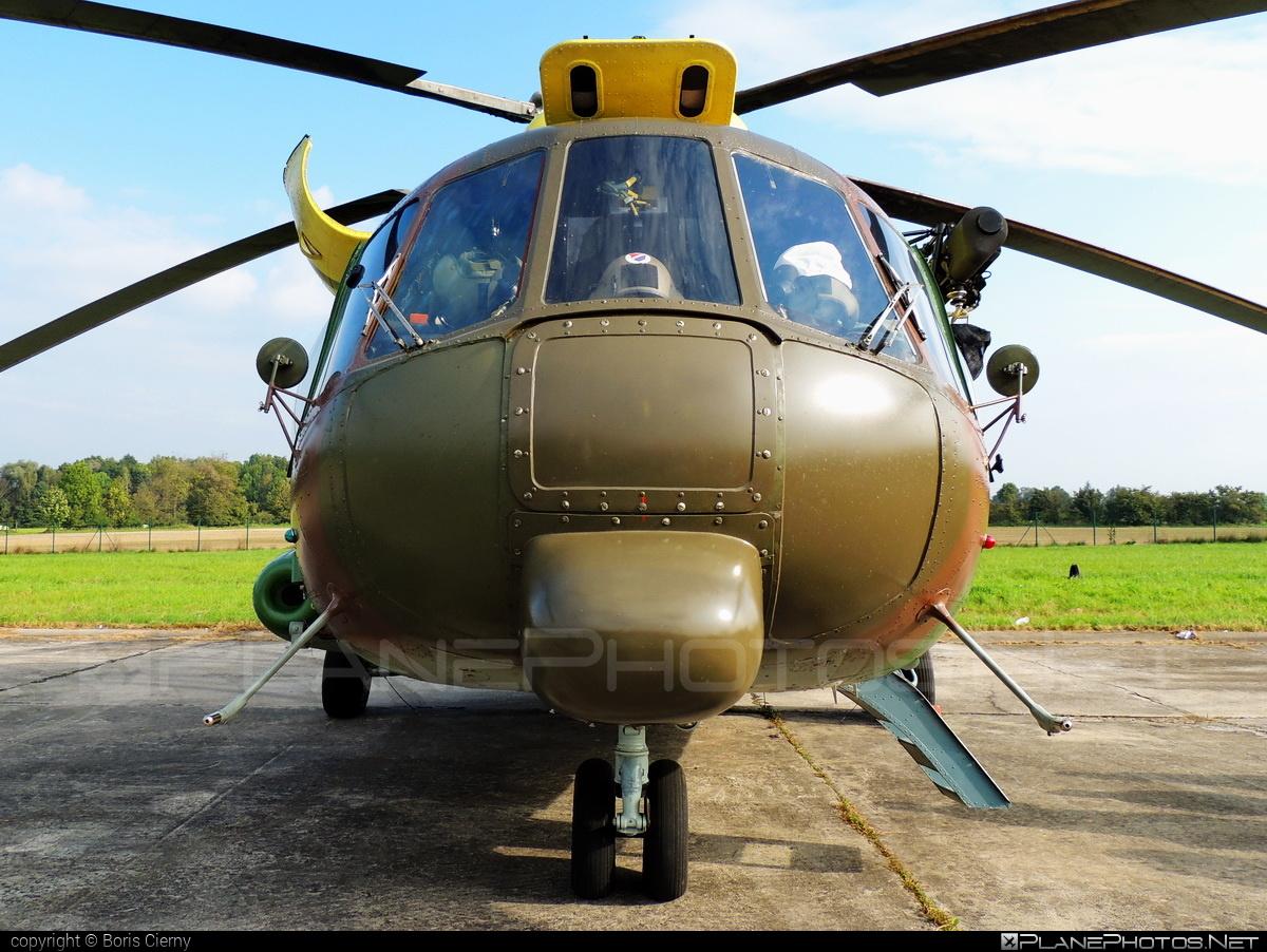 Mil Mi-17LPZS - 0826 operated by Vzdušné sily OS SR (Slovak Air Force) #mi17 #mi17lpzs #mil #milhelicopters #milmi17 #milmi17lpzs #natodays #natodays2014 #slovakairforce #vzdusnesilyossr