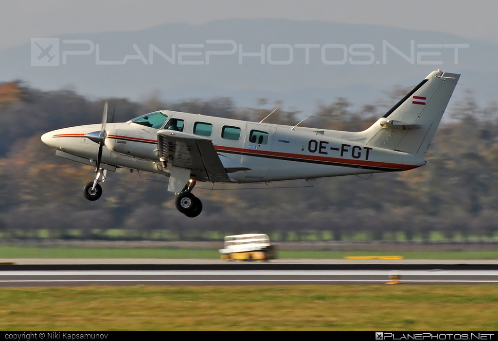 Cessna T303 Crusader - OE-FGT operated by Braunegg Lufttaxi #cessna