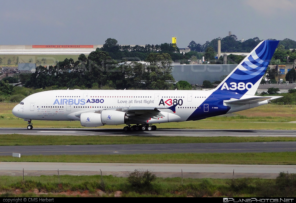 Airbus Industrie Airbus A380-861 - F-WWDD #a380 #a380family #airbus #airbus380