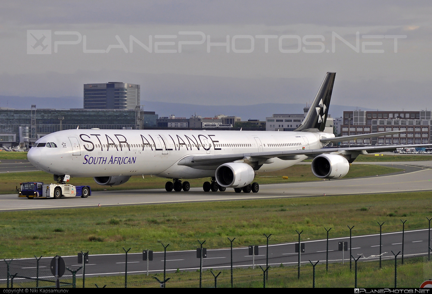 Airbus A340-642 - ZS-SNC operated by South African Airways #a340 #a340family #airbus #airbus340 #staralliance