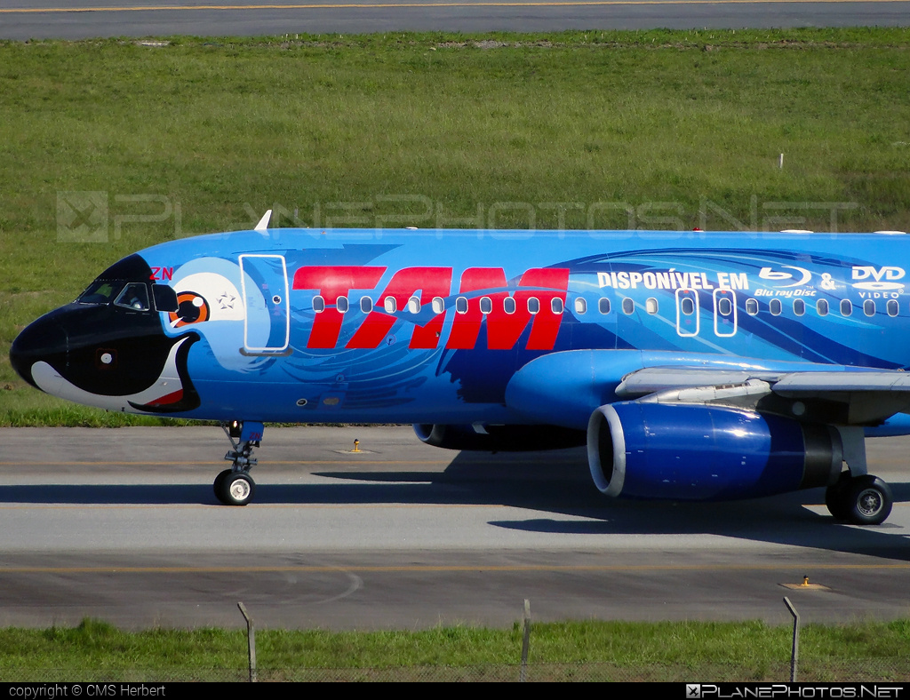 Airbus A320-231 - PT-MZN operated by TAM Linhas Aéreas #a320 #a320family #airbus #airbus320 #tam #tamairlines #tamlinhasaereas