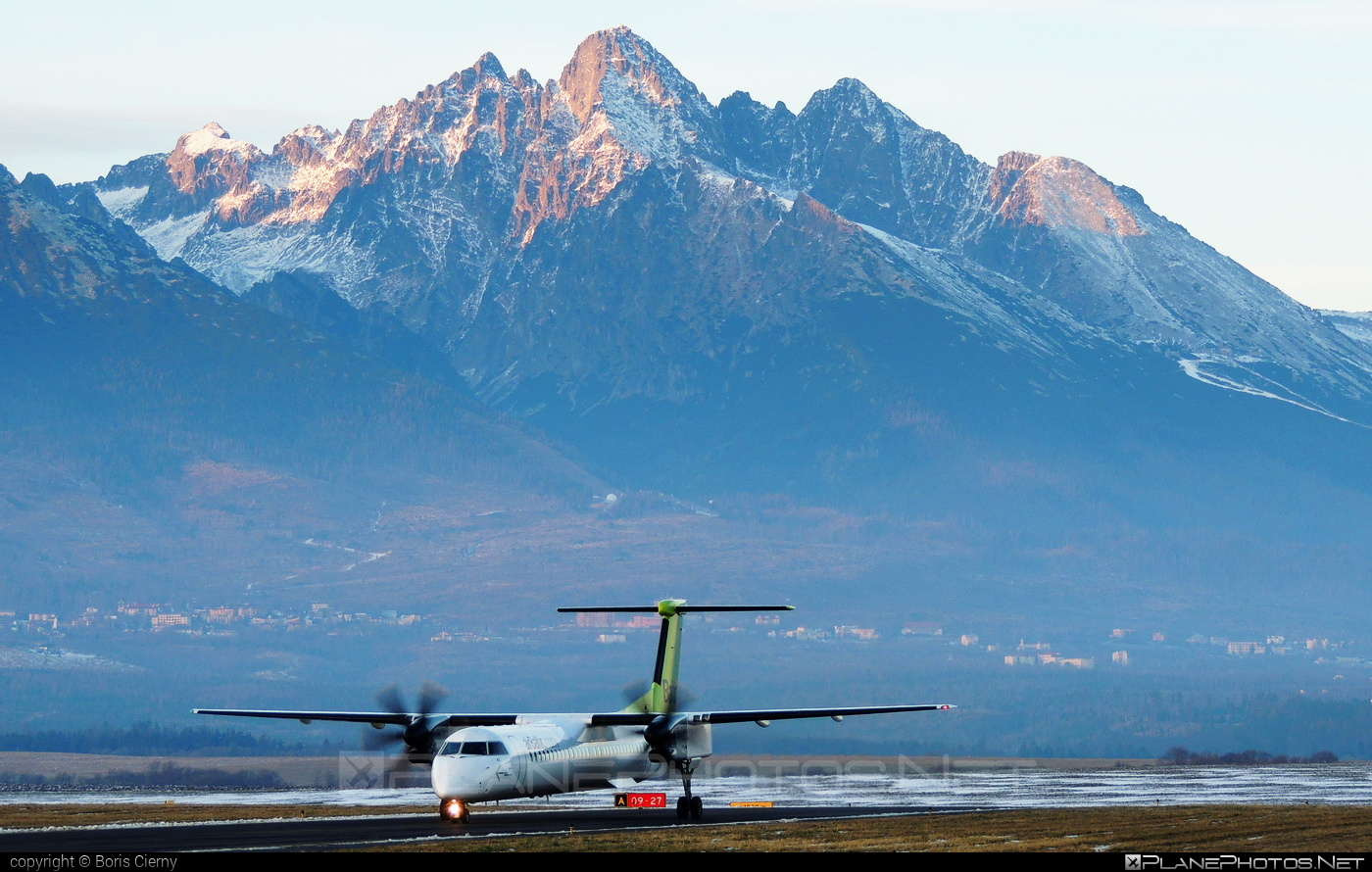 Bombardier DHC-8-Q402 Dash 8 - YL-BAX operated by Air Baltic #airbaltic #bombardier