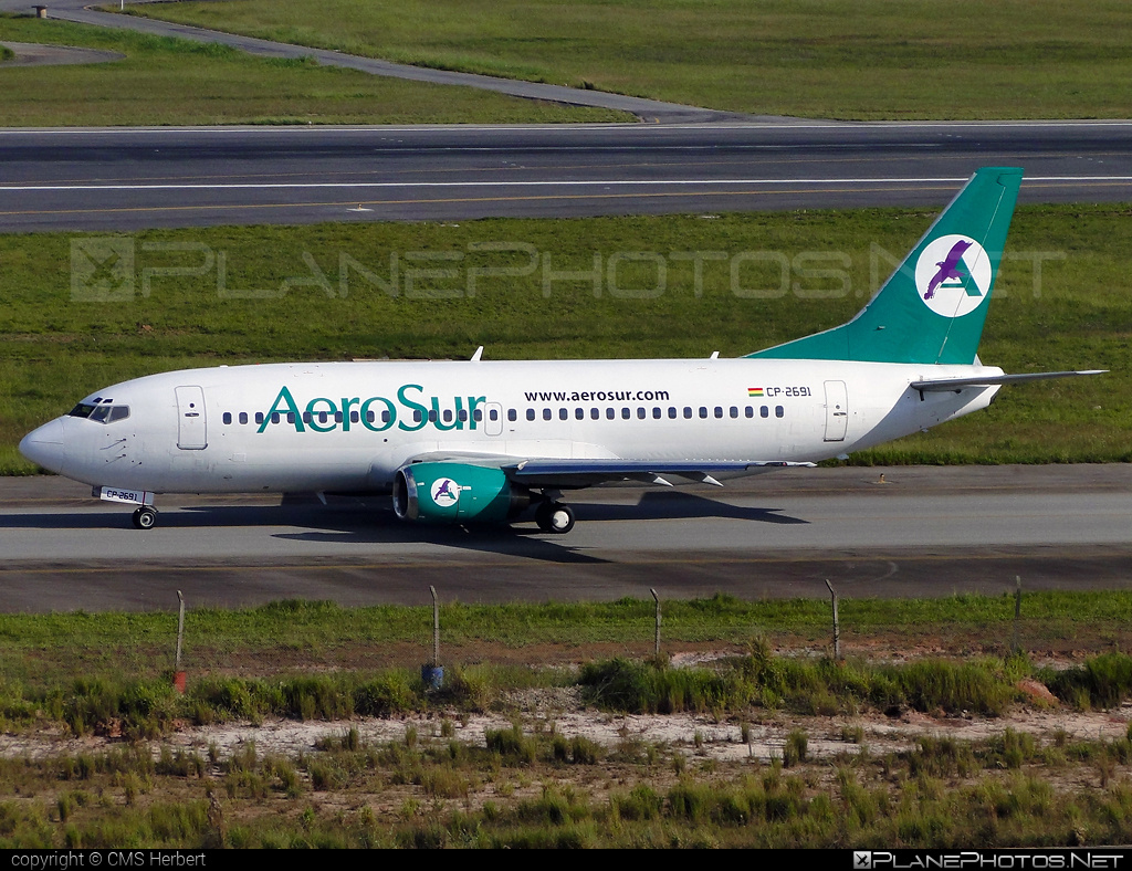 Boeing 737-300 - CP-2691 operated by AeroSur #b737 #boeing #boeing737