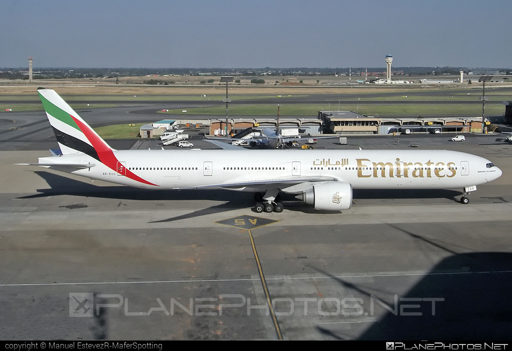 Boeing 777-300ER - A6-ECC operated by Emirates #b777 #b777er #boeing #boeing777 #emirates #tripleseven
