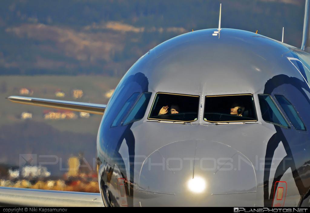 Airbus A320-214 - OE-LEG operated by Niki #a320 #a320family #airbus #airbus320 #flyniki #niki