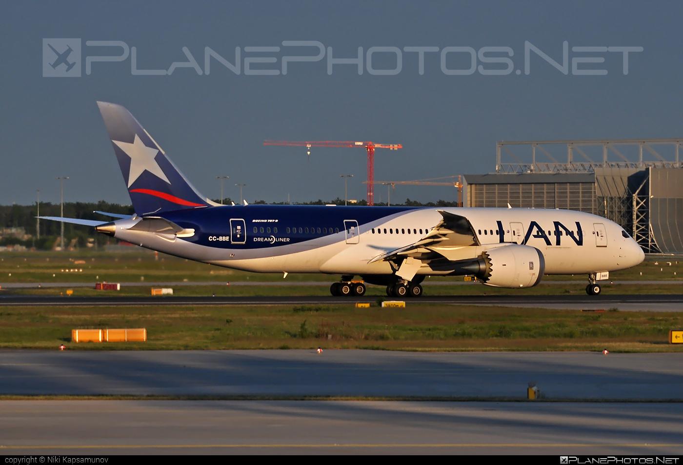 Boeing 787-8 Dreamliner - CC-BBE operated by LAN #b787 #boeing #boeing787 #dreamliner