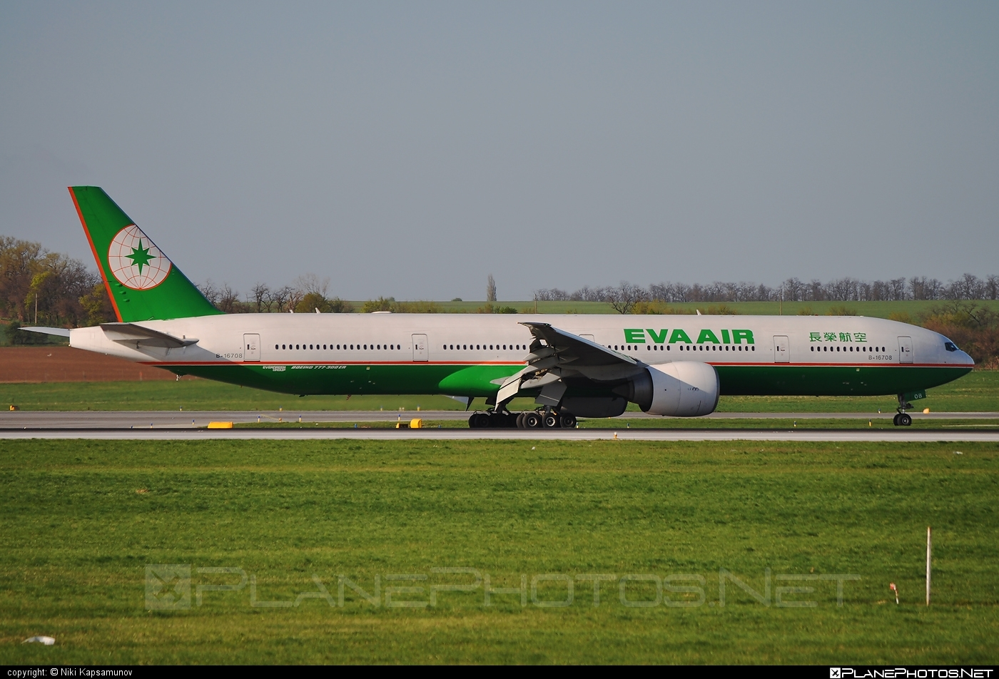 Boeing 777-300ER - B-16708 operated by EVA Air #b777 #b777er #boeing #boeing777 #tripleseven