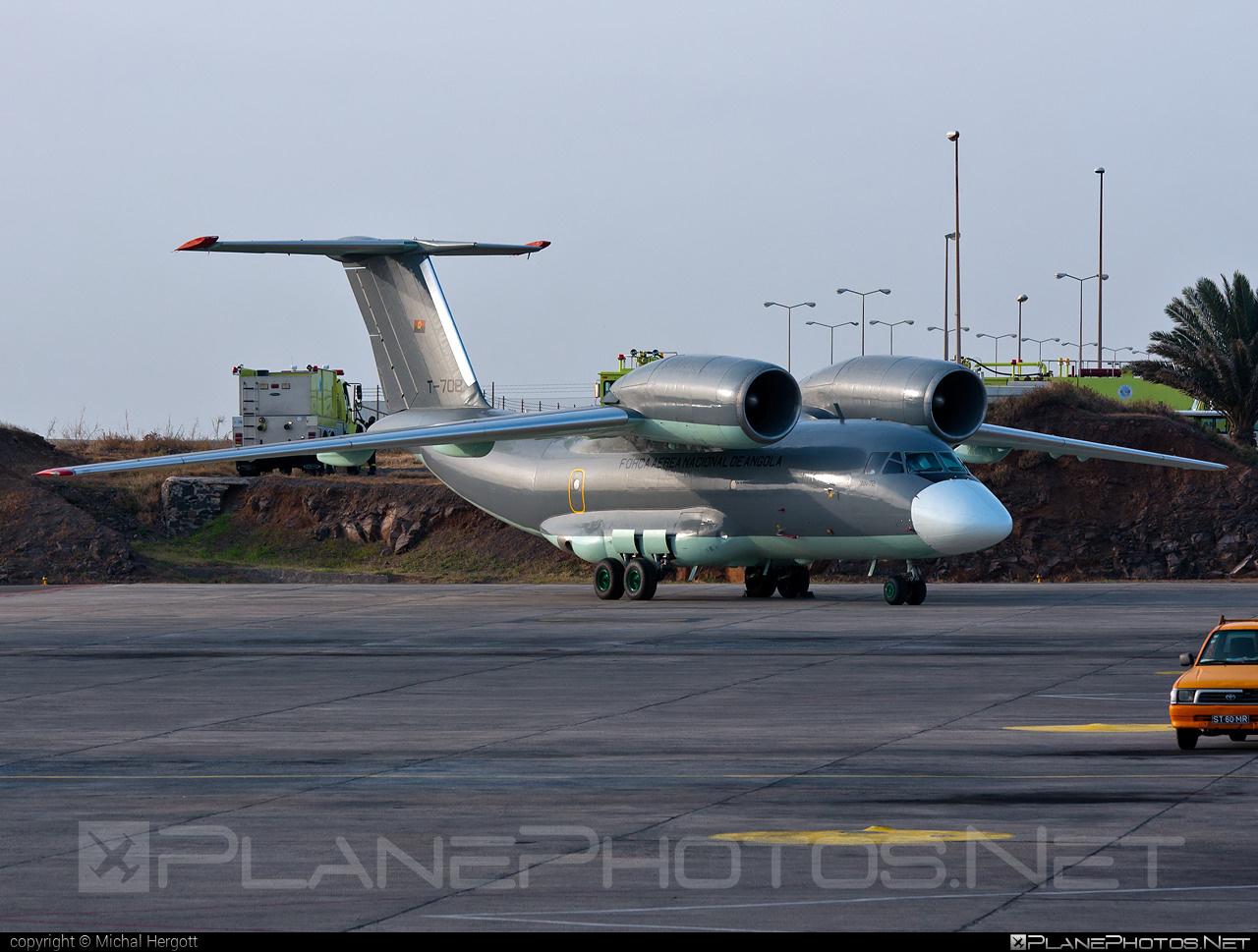 Antonov An-72 - T-708 operated by Força Aérea Nacional de Angola (National Air Force of Angola) #an72 #antonov #antonov72