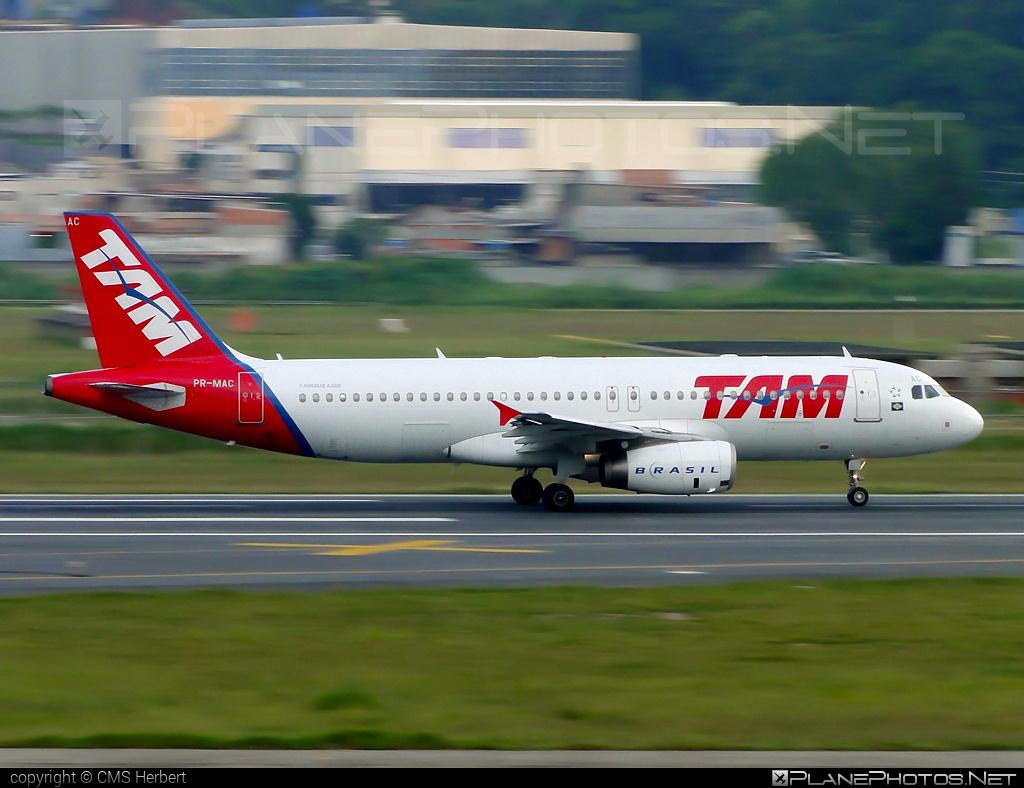 Airbus A320-232 - PR-MAC operated by TAM Linhas Aéreas #a320 #a320family #airbus #airbus320 #tam #tamairlines #tamlinhasaereas