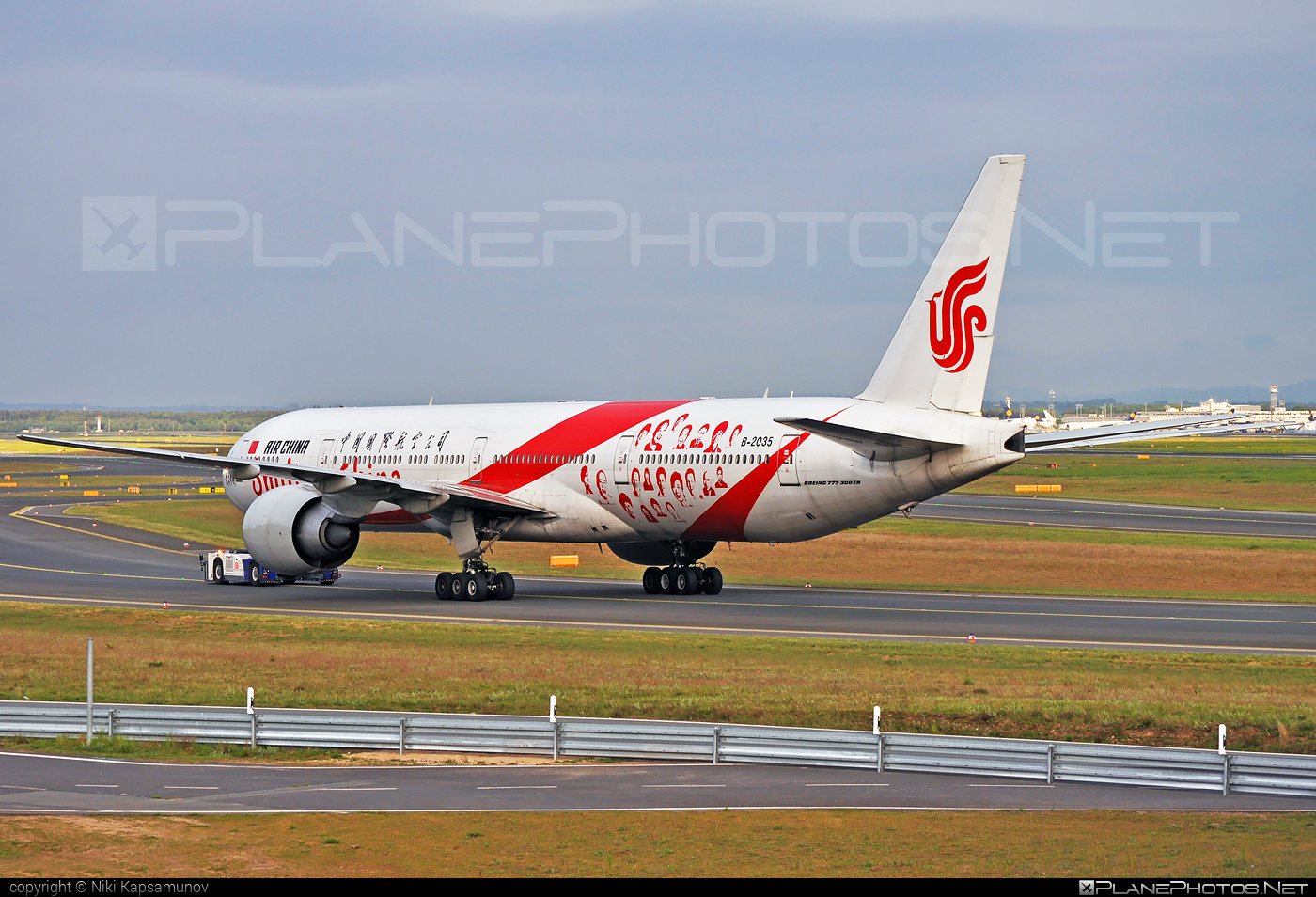 Boeing 777-300ER - B-2035 operated by Air China #airchina #b777 #b777er #boeing #boeing777 #tripleseven