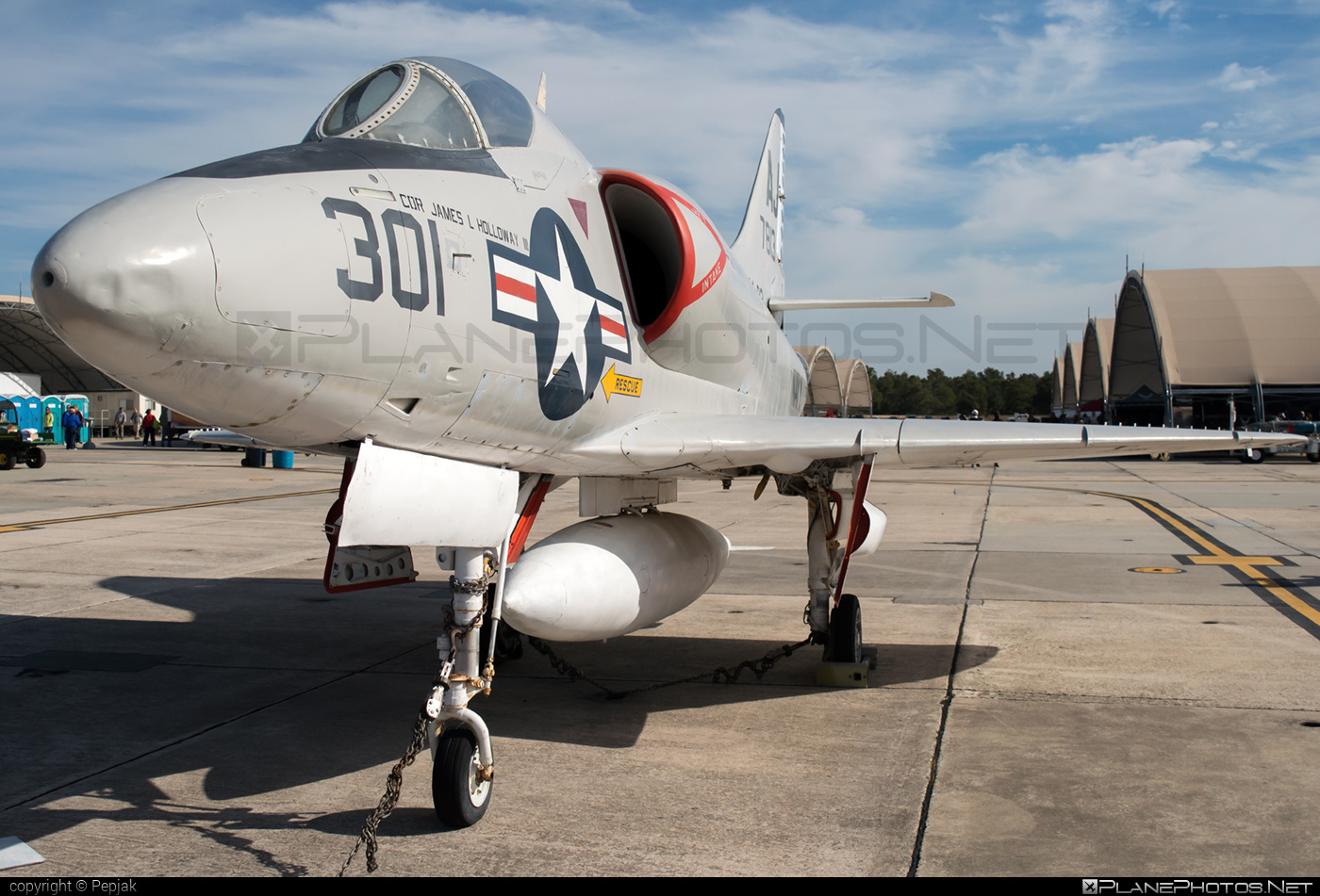 Douglas A-4A Skyhawk - 137813 operated by US Navy (USN) #douglas