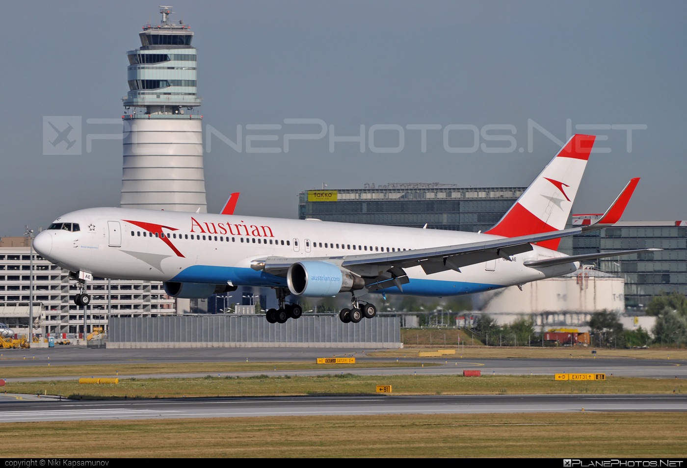 Boeing 767-300ER - OE-LAE operated by Austrian Airlines #b767 #b767er #boeing #boeing767