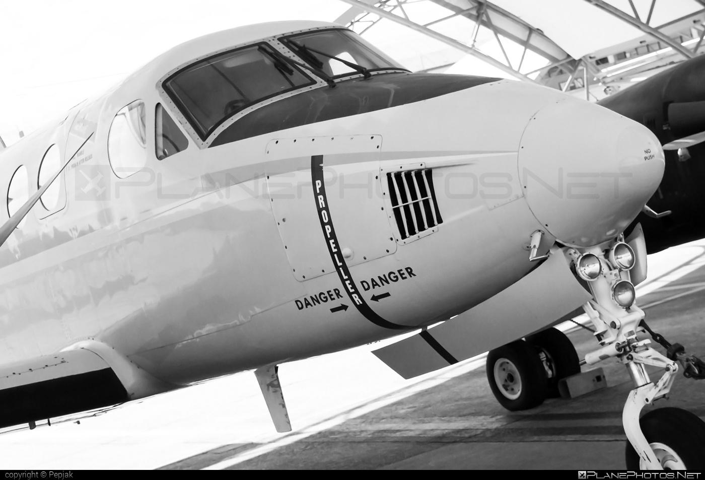 Beechcraft UC-12B Huron - 161515 operated by US Marine Corps (USMC) #beechcraft