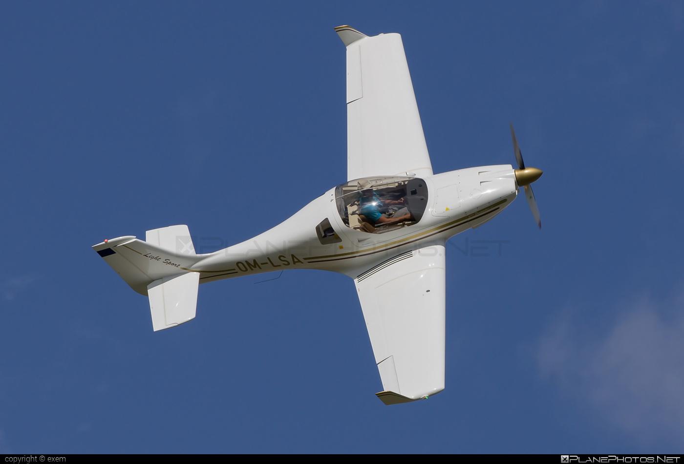 Aerospool WT9 Dynamic LS - OM-LSA operated by Aerospool #aerospool #dynamicls #wt9 #wt9dynamic #wt9dynamicls
