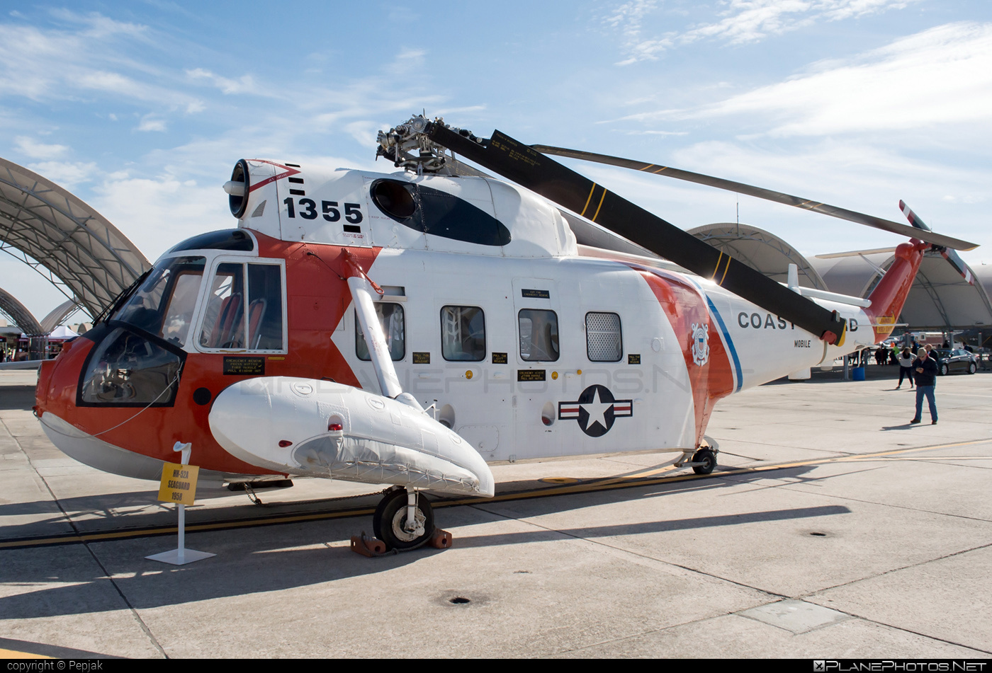 Sikorsky HH-52A Seaguard - 1355 operated by US Coast Guard (USCG) #sikorsky