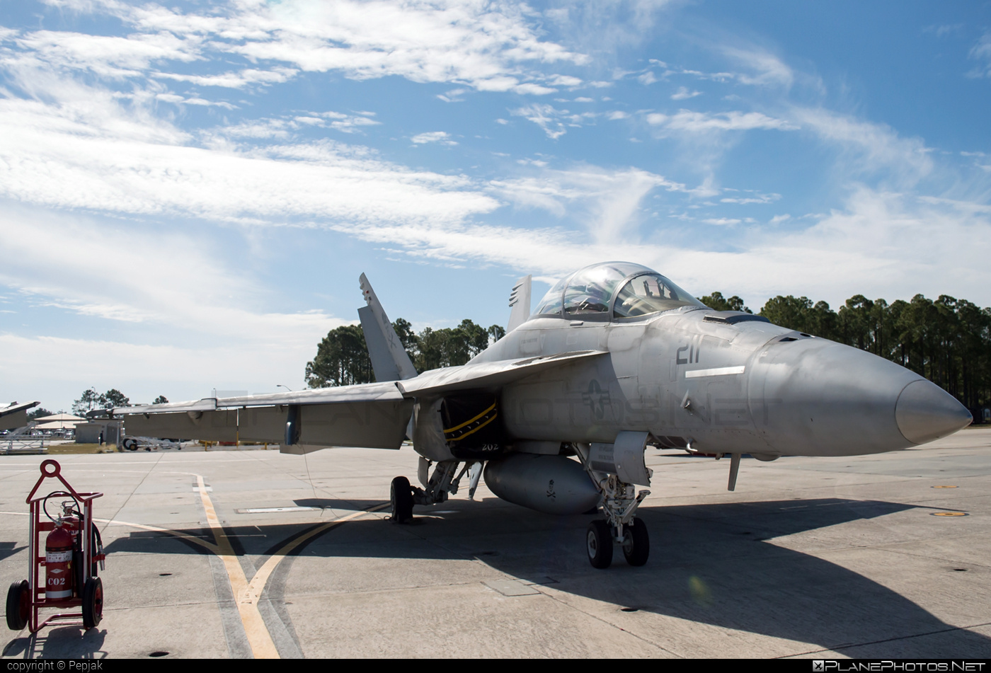 Boeing F/A-18F Super Hornet - 166611 operated by US Navy (USN) #boeing #f18 #f18hornet #f18superhornet #fa18 #fa18f #fa18superhornet #superhornet