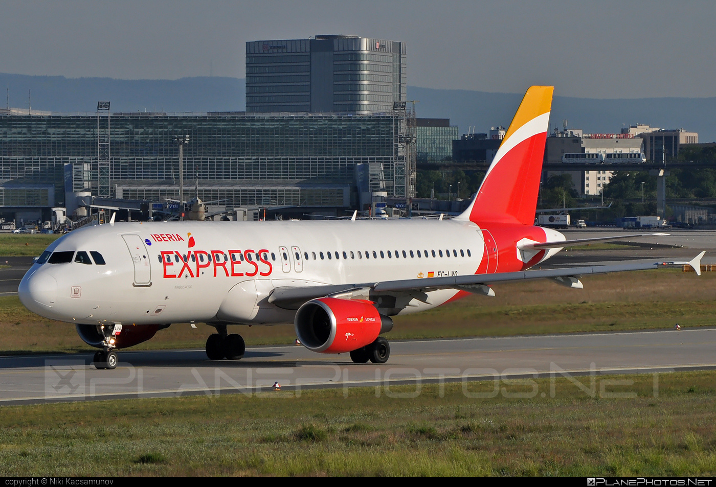 Airbus A320-216 - EC-LVQ operated by Iberia Express #a320 #a320family #airbus #airbus320 #iberia #iberiaexpress