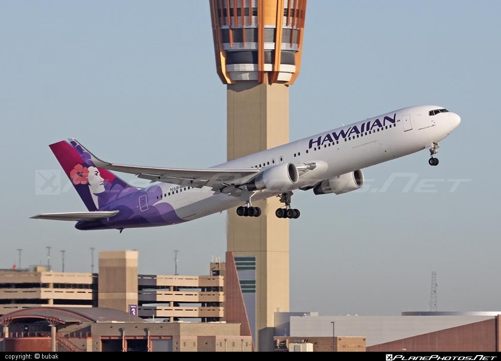 Boeing 767-300ER - N588HA operated by Hawaiian Airlines #b767 #b767er #boeing #boeing767