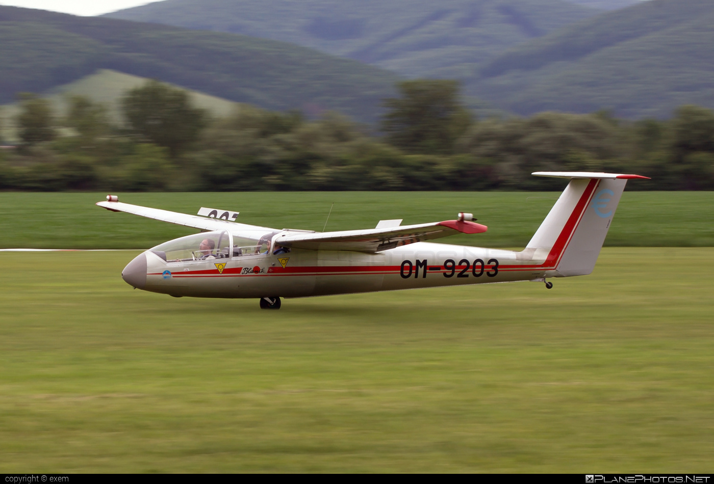 Slovenský národný aeroklub (Slovak National Aeroclub) Let L-23 Super Blanik - OM-9203 #let