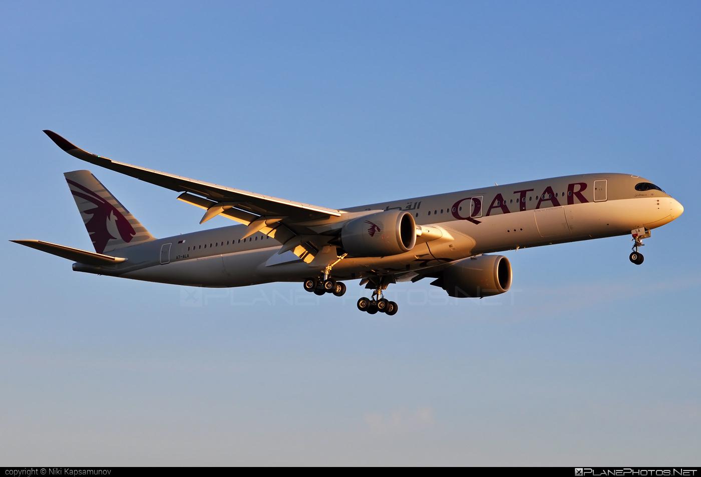 Airbus A350-941 - A7-ALA operated by Qatar Airways #a350 #a350family #airbus #airbus350 #qatarairways #xwb