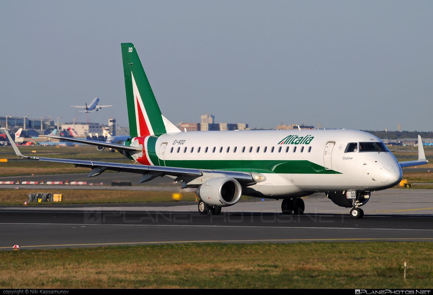 Embraer E175STD (ERJ-170-200STD) - EI-RDD operated by Alitalia CityLiner #e175 #embraer #embraer175 #embraer175std #erj170200 #erj170200std #erj175 #erj175std
