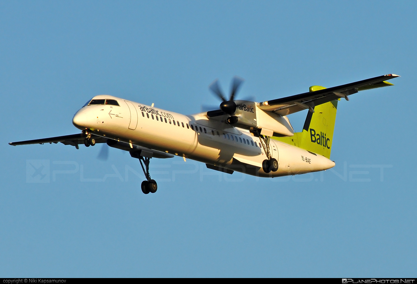 Bombardier DHC-8-Q402 Dash 8 - YL-BAE operated by Air Baltic #airbaltic #bombardier