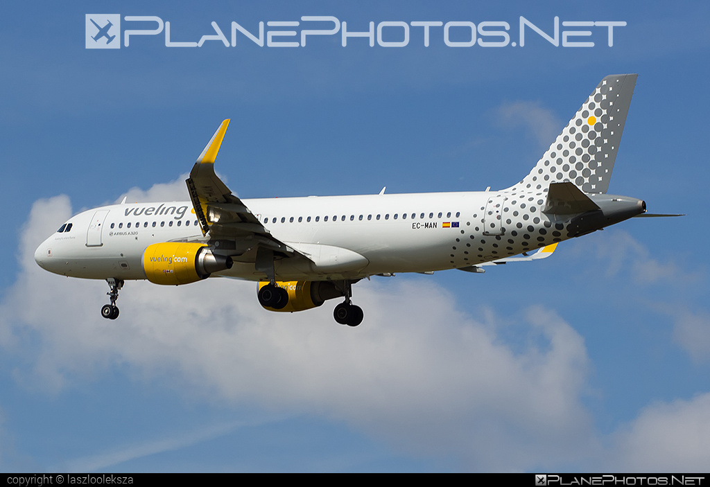 Airbus A320-214 - EC-MAN operated by Vueling Airlines #a320 #a320family #airbus #airbus320 #vueling #vuelingairlines