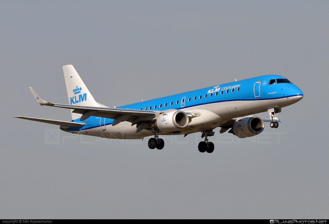 Embraer 190-100STD - PH-EZA operated by KLM Cityhopper #e190 #embraer #embraer190 #embraer190std #klm #klmcityhopper