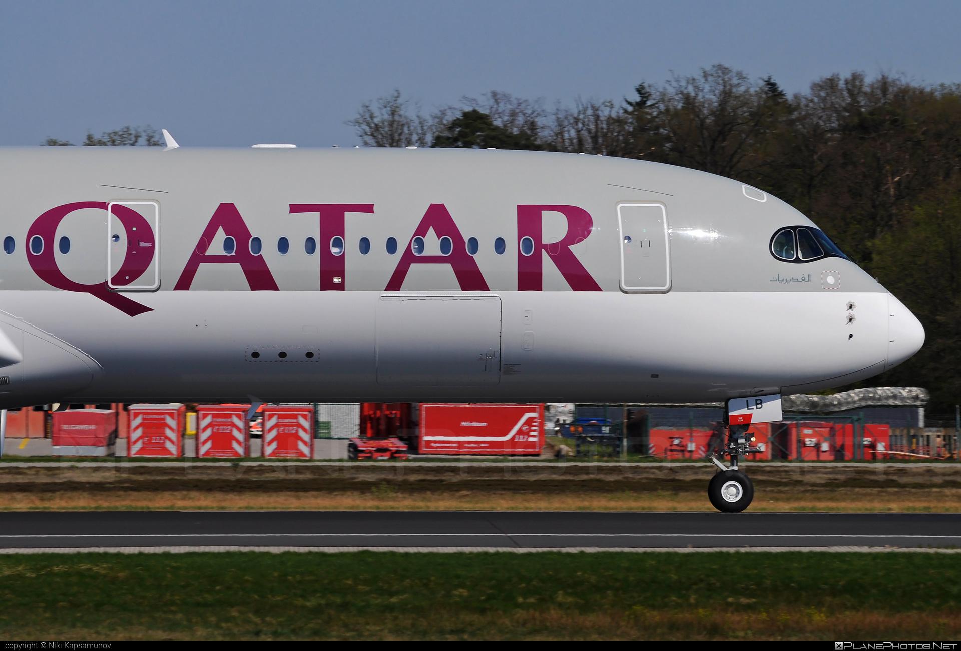 Airbus A350-941 - A7-ALB operated by Qatar Airways #a350 #a350family #airbus #airbus350 #qatarairways #xwb