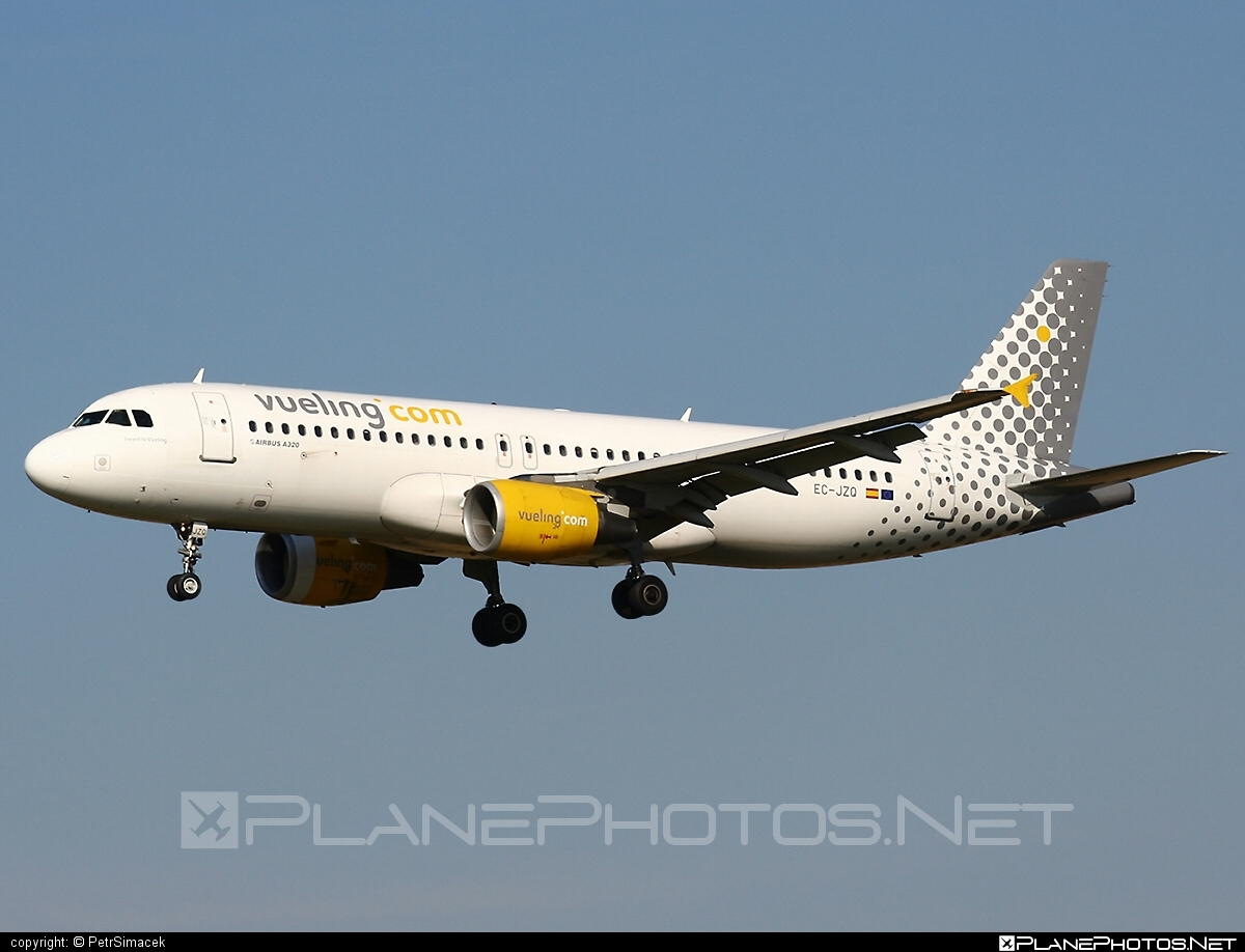 Airbus A320-214 - EC-JZQ operated by Vueling Airlines #a320 #a320family #airbus #airbus320 #vueling #vuelingairlines