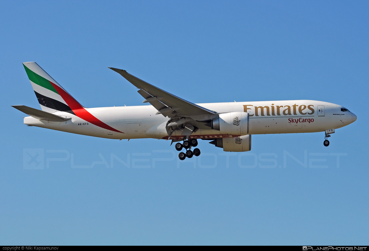 Boeing 777F - A6-EFD operated by Emirates SkyCargo #b777 #b777f #b777freighter #boeing #boeing777 #tripleseven