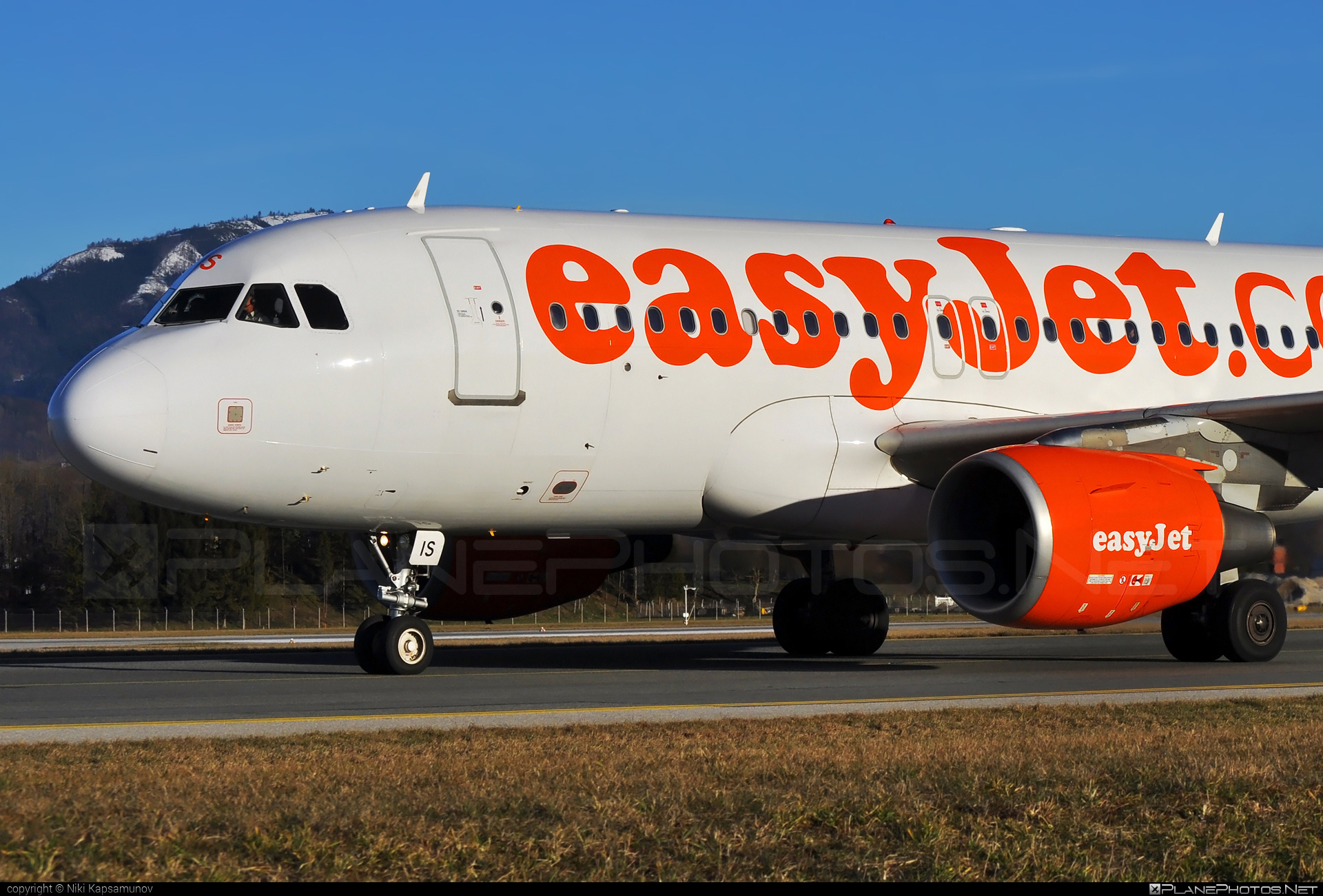 Airbus A319-111 - G-EZIS operated by easyJet #a319 #a320family #airbus #airbus319 #easyjet