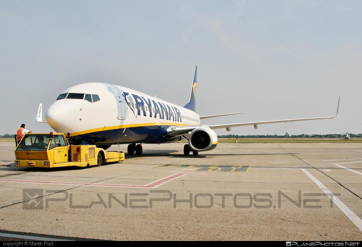 Boeing 737-800 - EI-EBY operated by Ryanair #b737 #b737nextgen #b737ng #boeing #boeing737 #ryanair