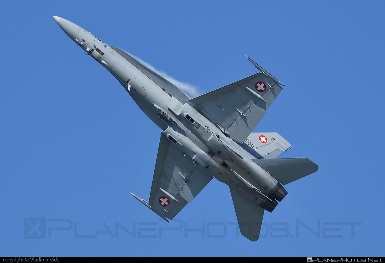 McDonnell Douglas F/A-18C Hornet - J-5007 operated by Schweizer Luftwaffe (Swiss Air Force) #f18 #f18hornet #fa18 #fa18c #fa18hornet #mcdonnelldouglas