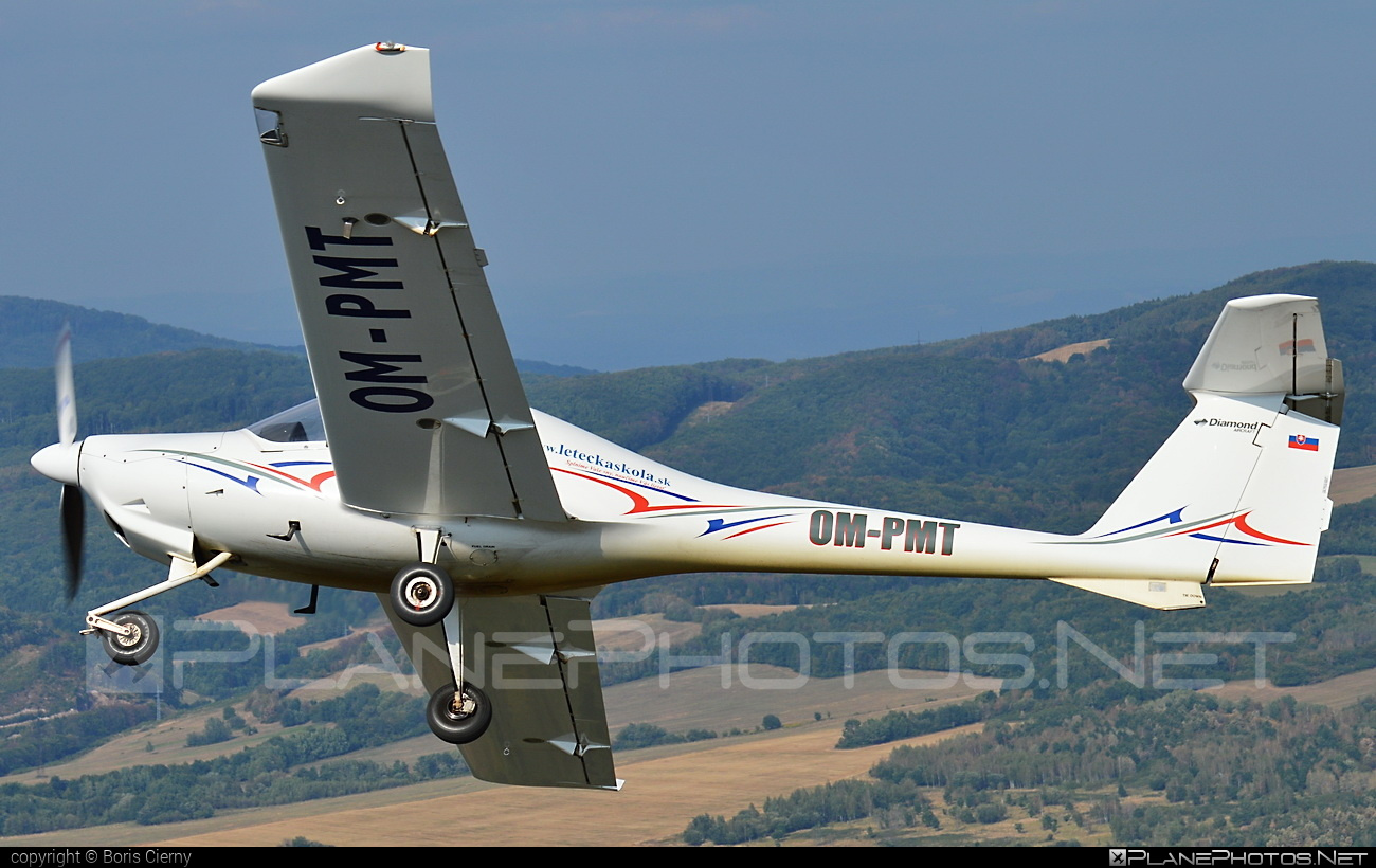 Diamond DA20-A1 Katana - OM-PMT operated by RERA AIR #da20 #da20a1 #da20a1katana #da20katana #diamond