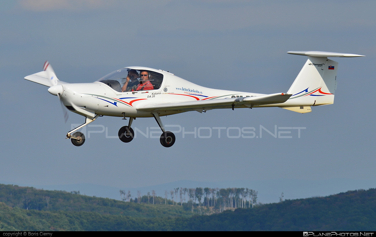 Diamond DA20-A1 Katana - OM-PMT operated by RERA AIR #da20 #da20a1 #da20a1katana #da20katana #diamond