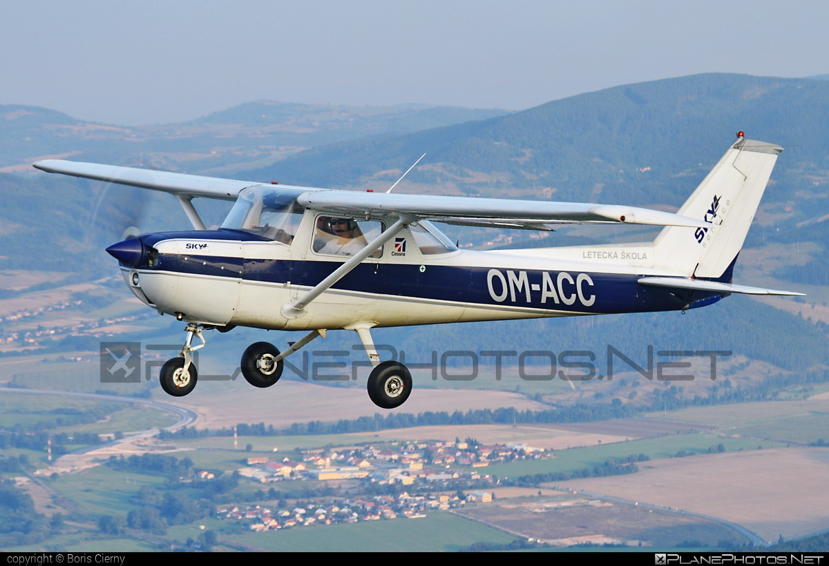 Reims F150M - OM-ACC operated by SKY SERVICE s.r.o. #cessna150 #f150m #reims #reims150 #reimsf150 #reimsf150m