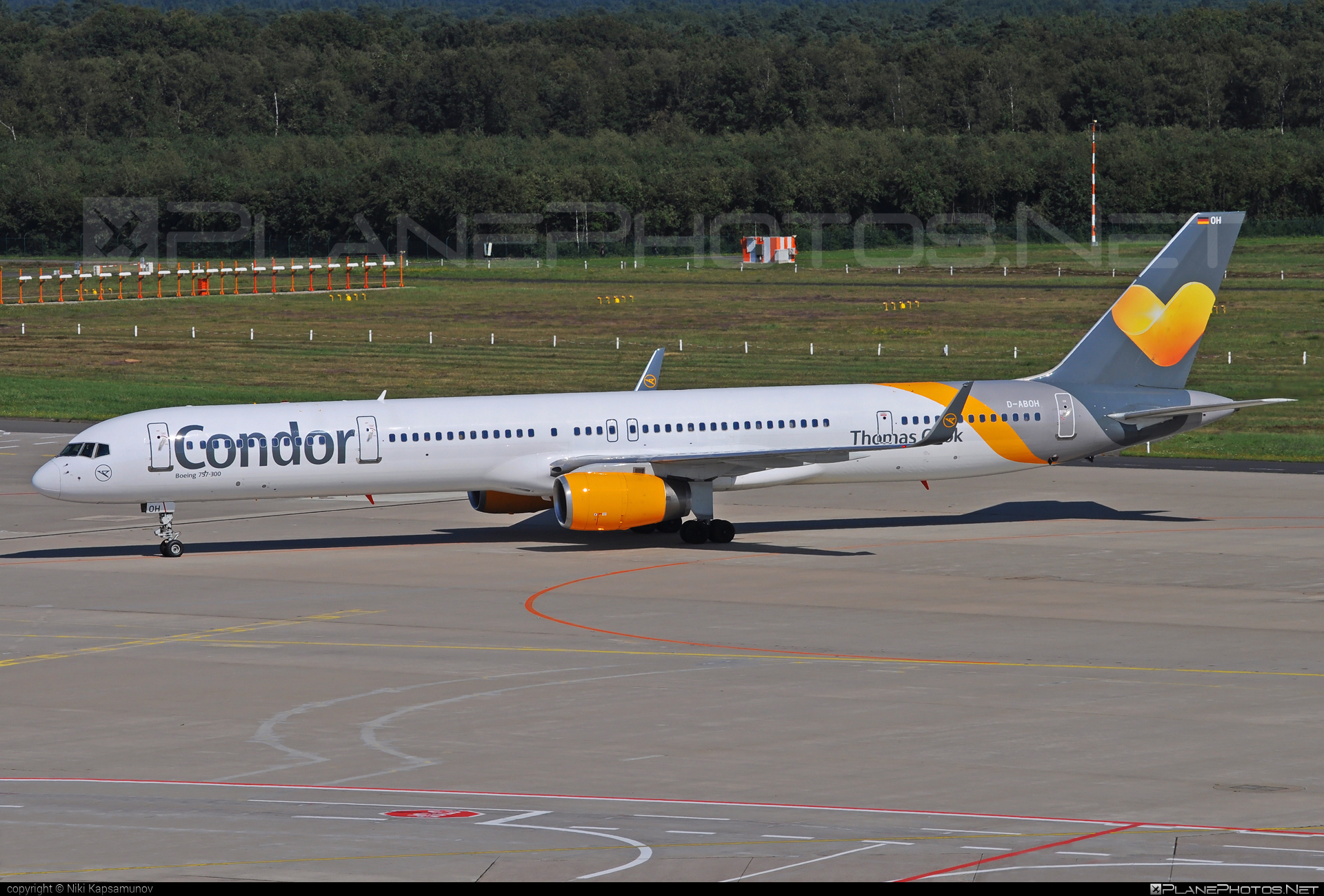 Boeing 757-300 - D-ABOH operated by Condor #b757 #boeing #boeing757