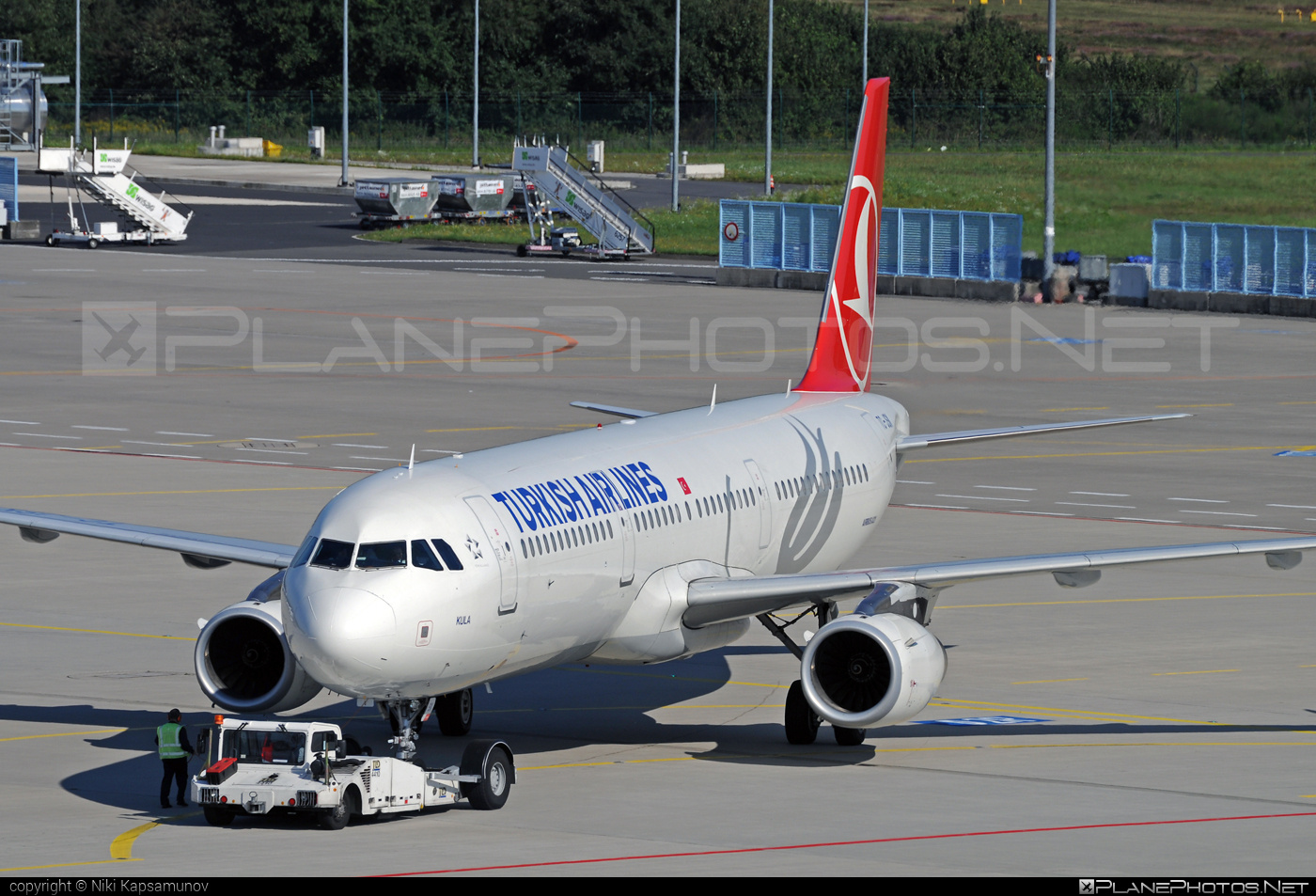Airbus A321-231 - TC-JSK operated by Turkish Airlines #a320family #a321 #airbus #airbus321 #turkishairlines