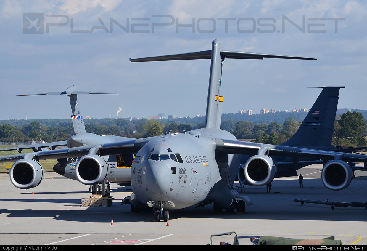 Boeing C-17A Globemaster III - 09-9212 operated by US Air Force (USAF) #boeing #c17 #c17globemaster #globemaster #globemasteriii #natodays #natodays2015 #usaf #usairforce