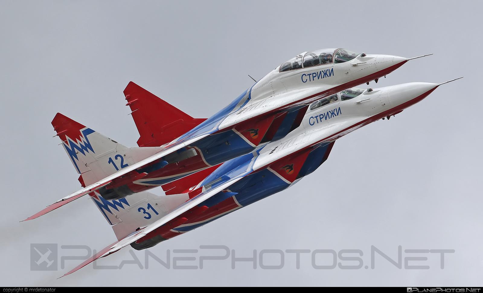 Mikoyan-Gurevich MiG-29UB - 12 operated by Voyenno-vozdushnye sily Rossii (Russian Air Force) #mig #mig29 #mig29ub #mikoyangurevich