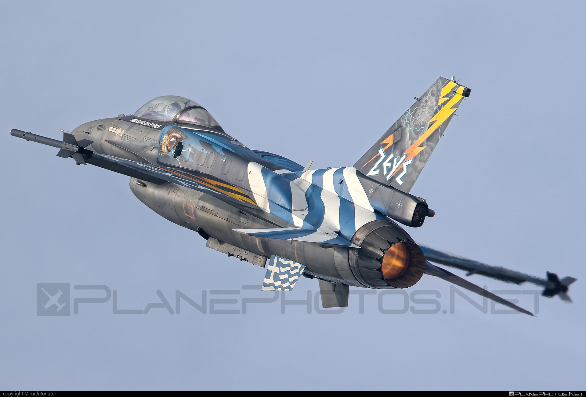 Lockheed Martin F-16CJ Fighting Falcon - 523 operated by Polemikí Aeroporía (Hellenic Air Force) #LockheedMartin #f16 #f16cj #fightingfalcon #hellenicairforce #natodays #natodays2015 #polemikiaeroporia