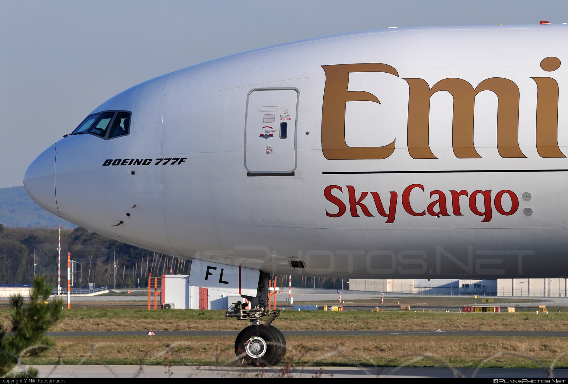 Boeing 777F - A6-EFL operated by Emirates SkyCargo #b777 #b777f #b777freighter #boeing #boeing777 #tripleseven