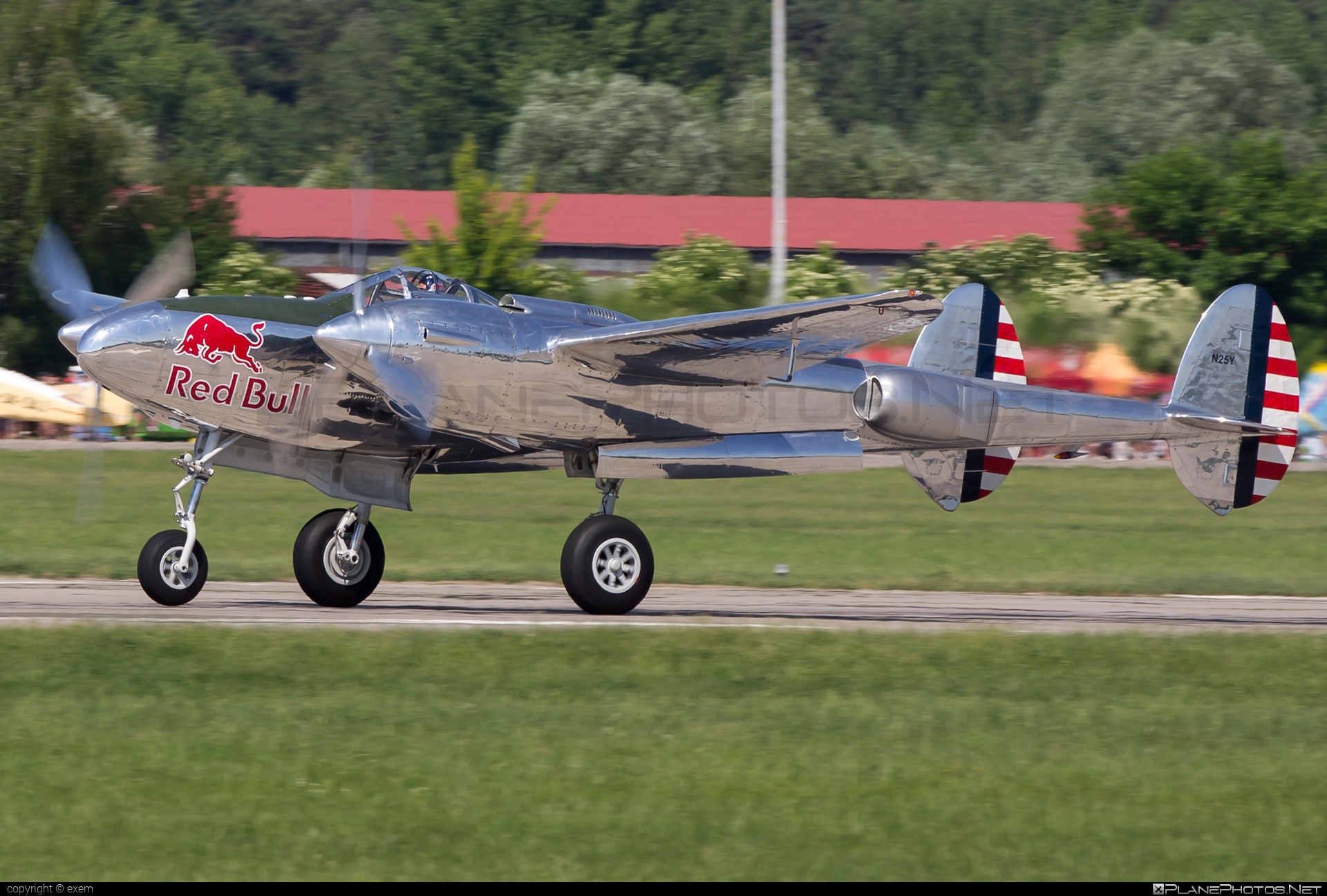 The Flying Bulls Lockheed P-38L Lightning - N25Y #lockheed #theflyingbulls