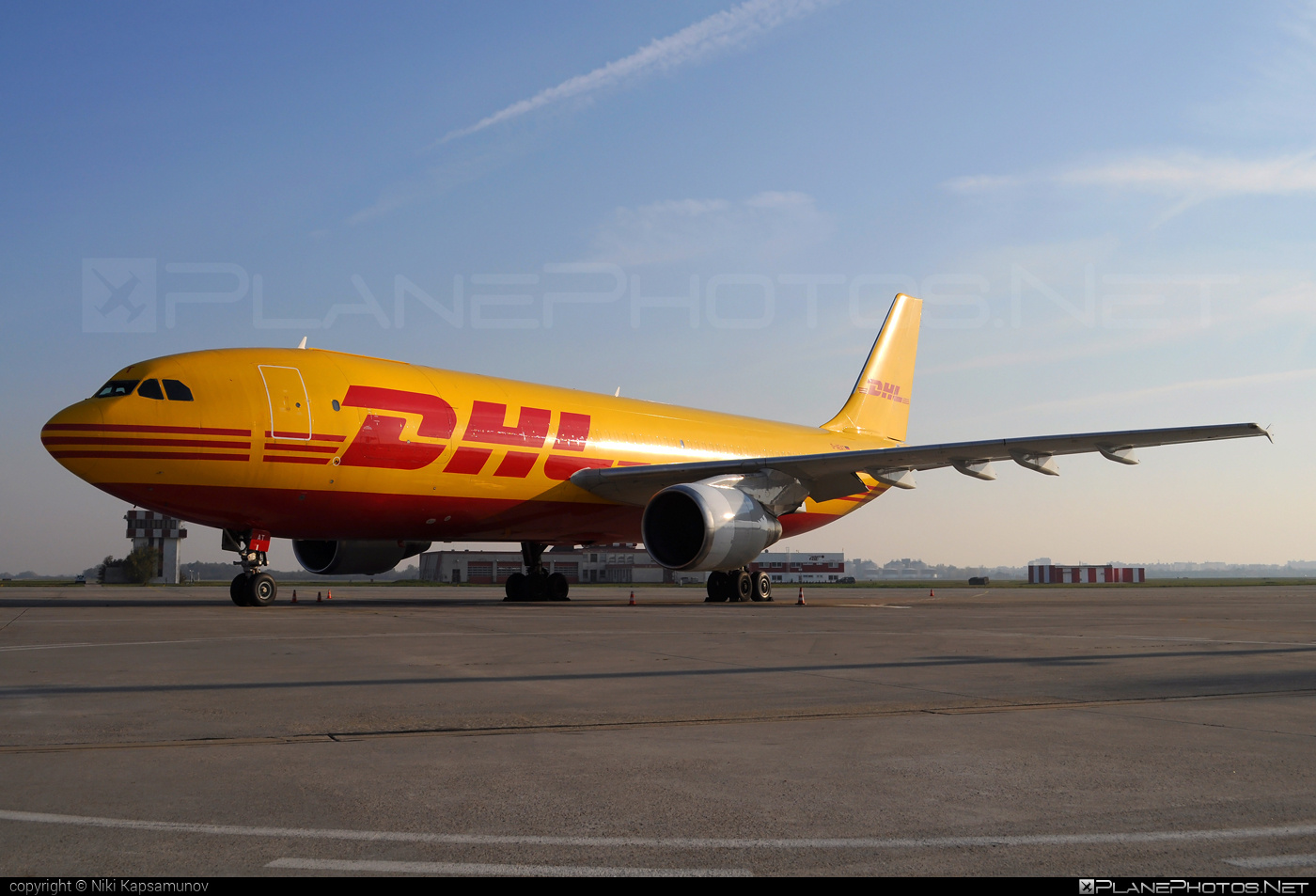 Airbus A300B4-622RF - D-AEAT operated by DHL (European Air Transport) #a300 #airbus