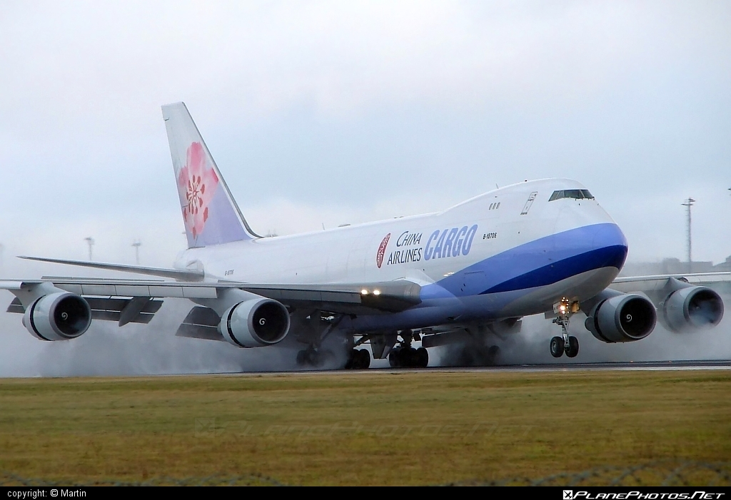 Boeing 747-400F - B-18706 operated by China Airlines Cargo #b747 #boeing #boeing747 #chinaairlines #chinaairlinescargo #jumbo