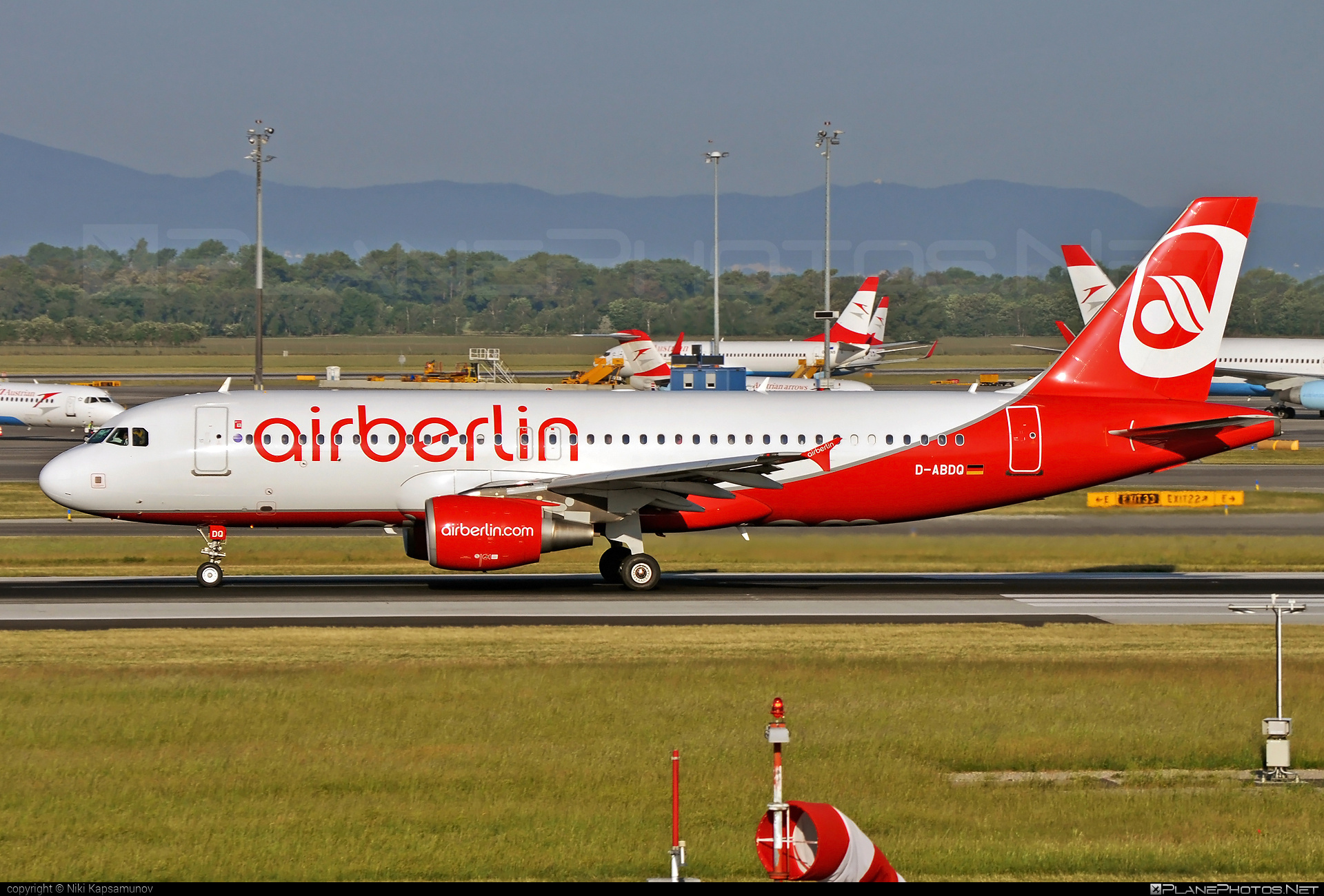 Airbus A320-214 - D-ABDQ operated by Air Berlin #a320 #a320family #airberlin #airbus #airbus320